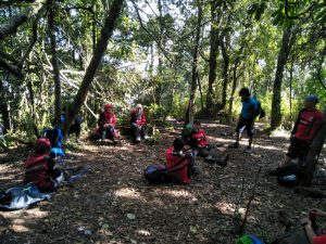 Pendakian Tektok Gunung Cikuray bersama Tektok Team 8